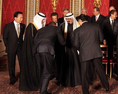 Obama bowing to King Abdullah of Saudi Arabia