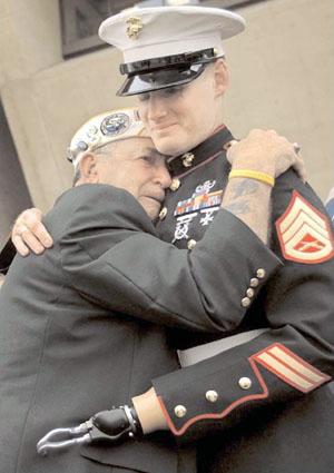 soldier_hug