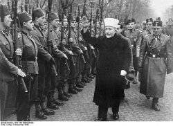 Grend Mufti inspectin all moslem Handzar SS Division